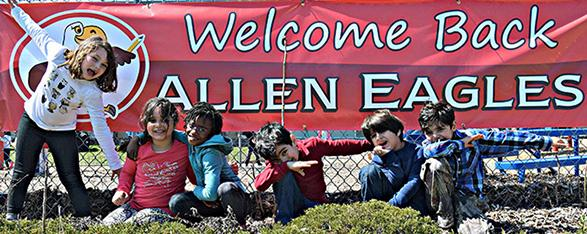 Allen welcome back sign & students